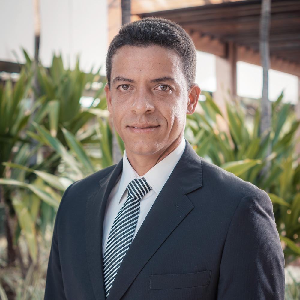 Dr. Bruno Ricardo Pinheiro