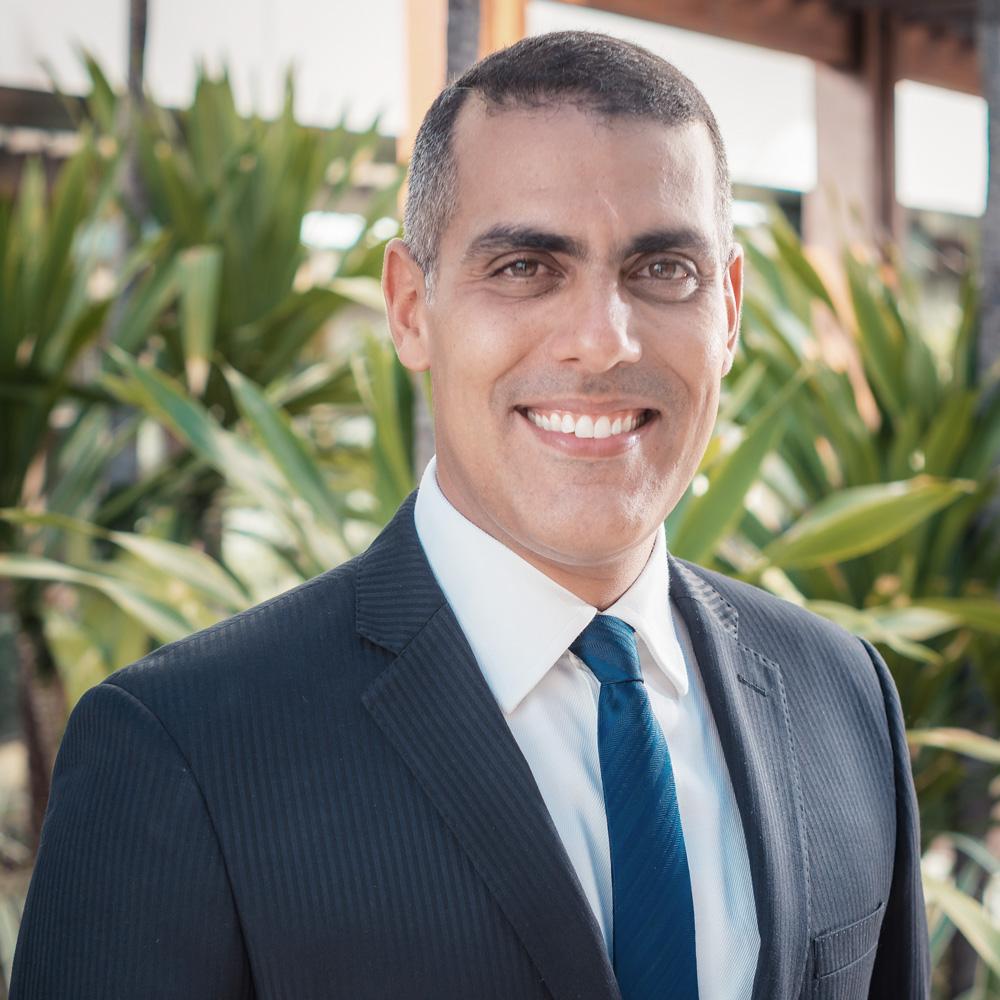 Dr. Marcus Vinicius Sapucaia Magalhães